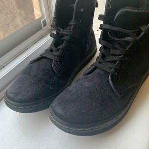 Dr Martens shoreditch canvas boot black